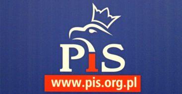 """Gospodarcze poczynania PiS-u. Pierwszy rok rządów """"dobrej zmiany"""" w ocenie ekspertów"""