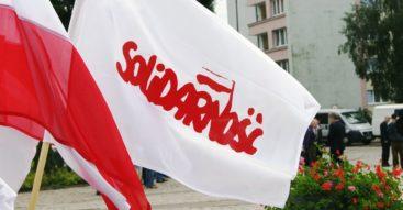 """NSZZ """"Solidarność"""" chce ograniczenia handlu w niedzielę.  Co znajdziemy w projekcie ustawy?"""