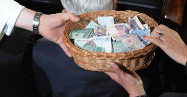 Duchowni traktowani ulgowo. Czy Kościół jest w Polsce faworyzowany?