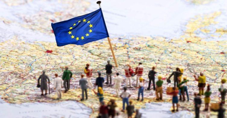 UE domaga się udziału Polski w relokacji uchodźców.