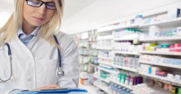 """""""Apteki dla aptekarzy"""". Nowelizacja prawa farmaceutycznego weszła w życie [INFOGRAFIKA]"""