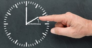 Czy warto skończyć z przestawianiem zegarków? Zmiana czasu do likwidacji
