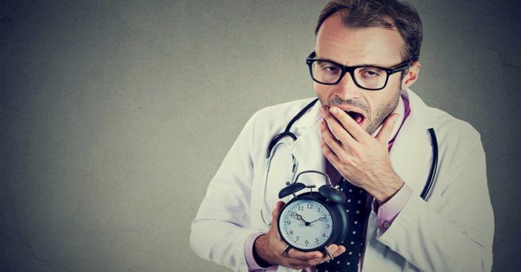 Lekarze wypowiadają klauzulę opt-out.