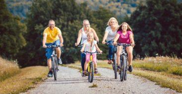 Czy Karta Dużej Rodziny to skuteczne narzędzie polityki prorodzinnej? Rafalska zapowiada zmiany