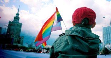 Deklaracja LGBT+ budzi emocje. Czym jest dokument podpisany przez prezydenta stolicy?